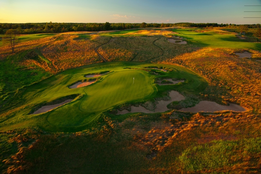 _ hole at Erin Hills a (Hurdzan/Fry and Ron Whitten design) daily fee golf course in Erin, Wisconsin. September, 2010. PM shoot. Photo by Paul Hundley.